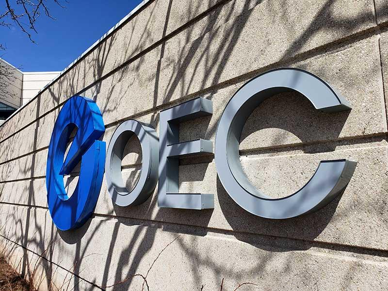 Front lit channel letters at Oakville Hydro (OEC)